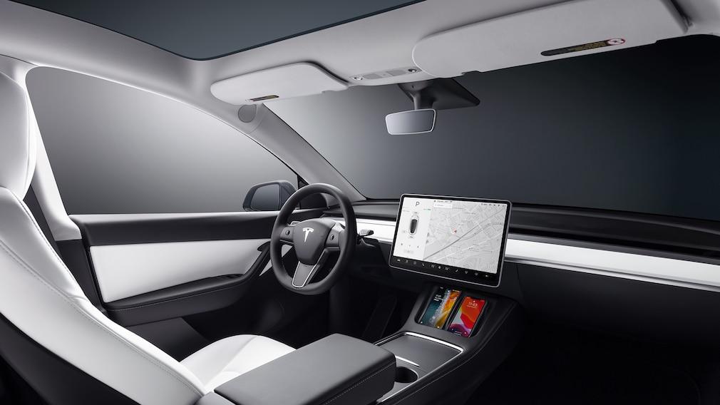 Tesla Model Y Cockpit