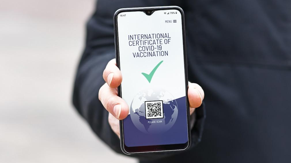 Digitaler Impfnachweis auf einem Handy