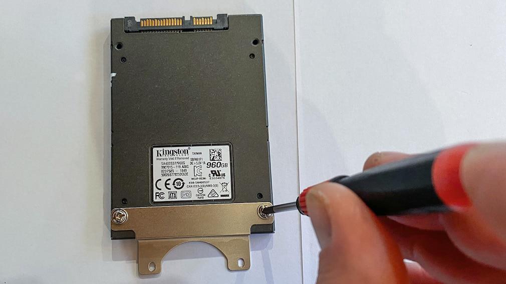 Barebone-PC: SSD einbauen