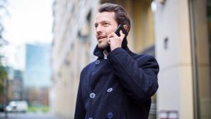 Ein Mann telefoniert©iStock.com/alvarez