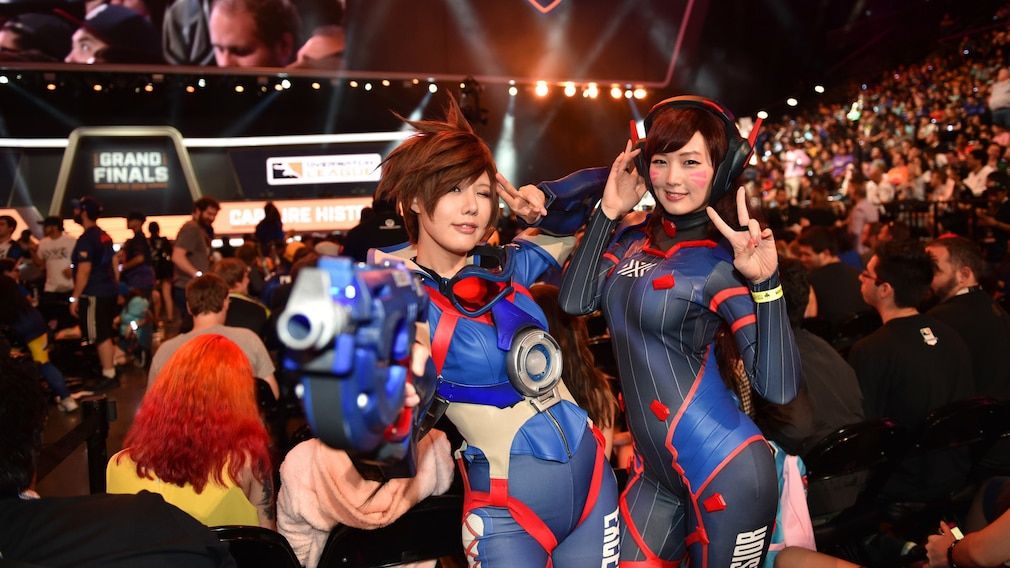 Overwatch-Cosplayer während des Overwatch-Liga-Finales 2019