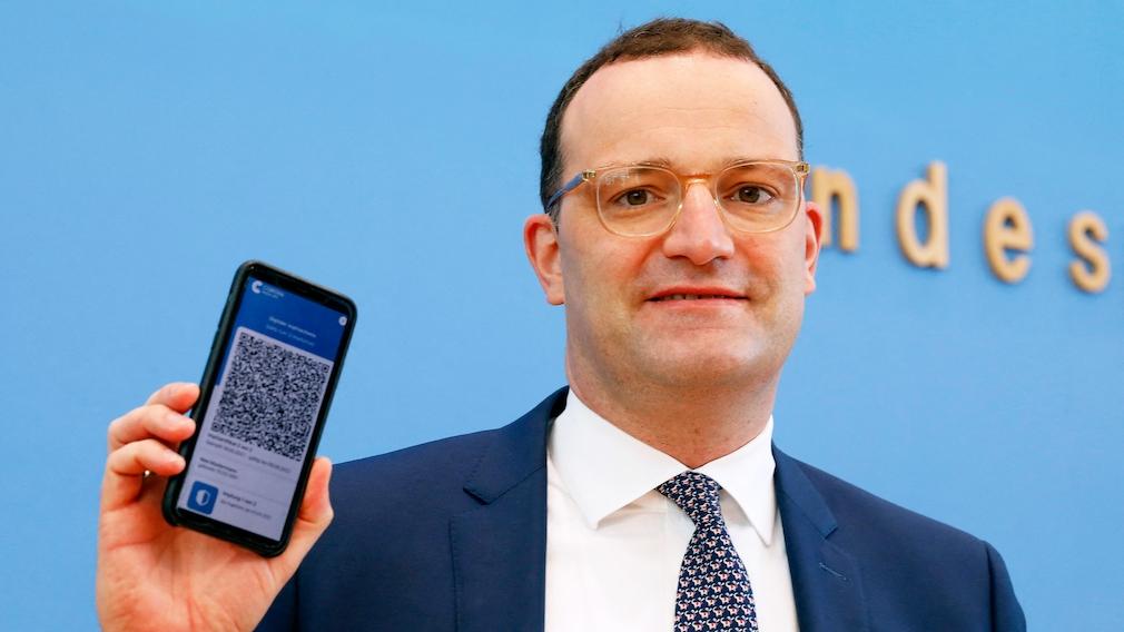 Gesundheitsminister Jens Spahn (CDU) präsentiert die CovPass-App.