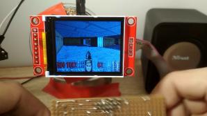 Der Tüftler spielt Doom auf der Ikea-Leuchte©YouTube/ next-hack