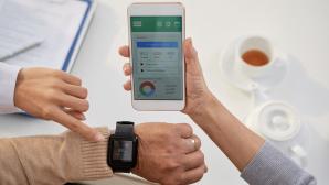 Gesundheits-App auf einem Smartphone©iStock.com/DragonImages