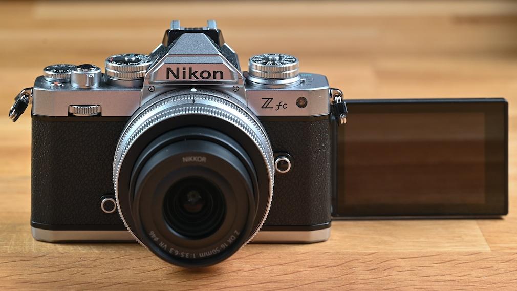 Nikon Zfc mit Ausklapp-Display