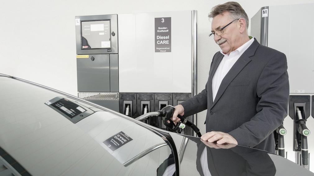 Betanken von E-Diesel Foto: Bosch