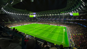 Gefülltes Fußballstadion©pexels.com