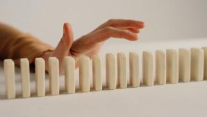 Reihe aus Dominosteinen©pexels.com