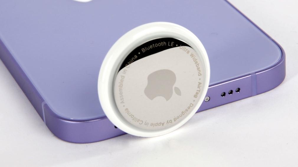 AirTag: Apple warnt vor kindersicheren Batterien