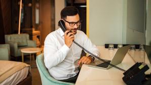 Umfrage: Schlechtes Handynetz h�lt Festnetz am Leben Es sind nicht nur L�cken im Handynetz, die Nutzer zum Festnetztelefon bewegen.©iStock.com/ nortonrsx