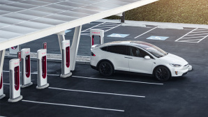 Tesla Supercharger-Station©Tesla