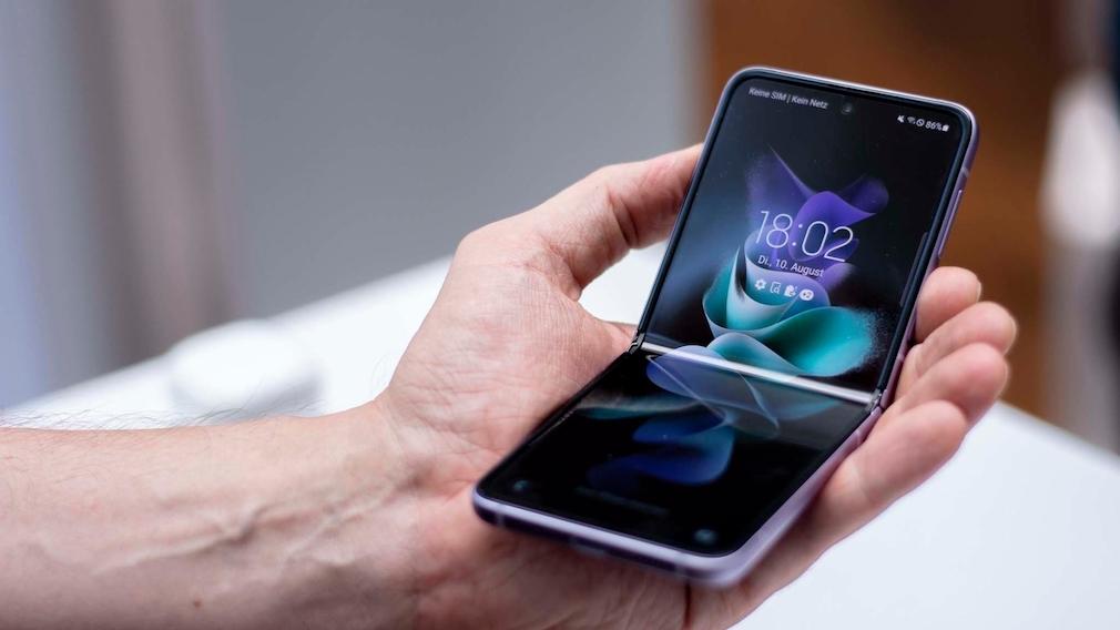 Galaxy Z Flip 3 aufgeklappt