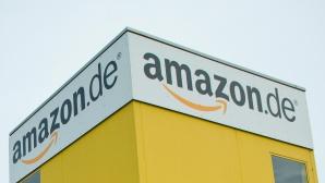 Amazon-Logo an Gebäude©Amazon