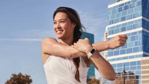 Fitbit Charge 5: Armband erh�lt besseres Display und mehr Funktionen Schlanker und mit dauerhafter Zeitanzeige: Das Fitbit Charge 5 kommt im verbesserten Design.©Fitbit