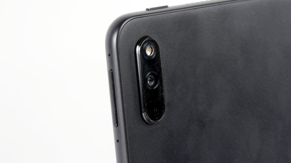 Nahaufnahme der Frontkamera des Huawei MatePad 11.
