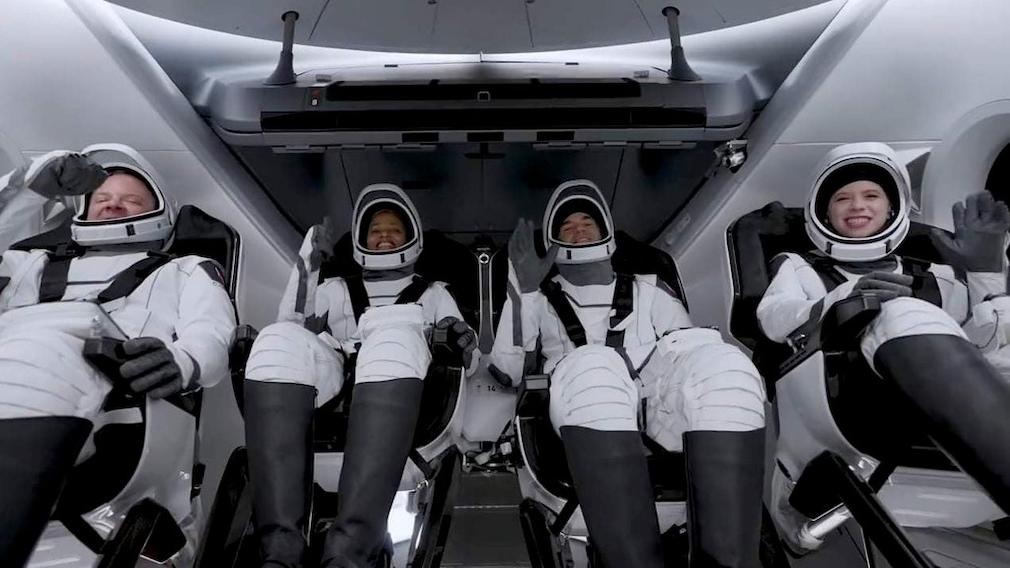 Laien-Astronauten an Bord von Inspiration4