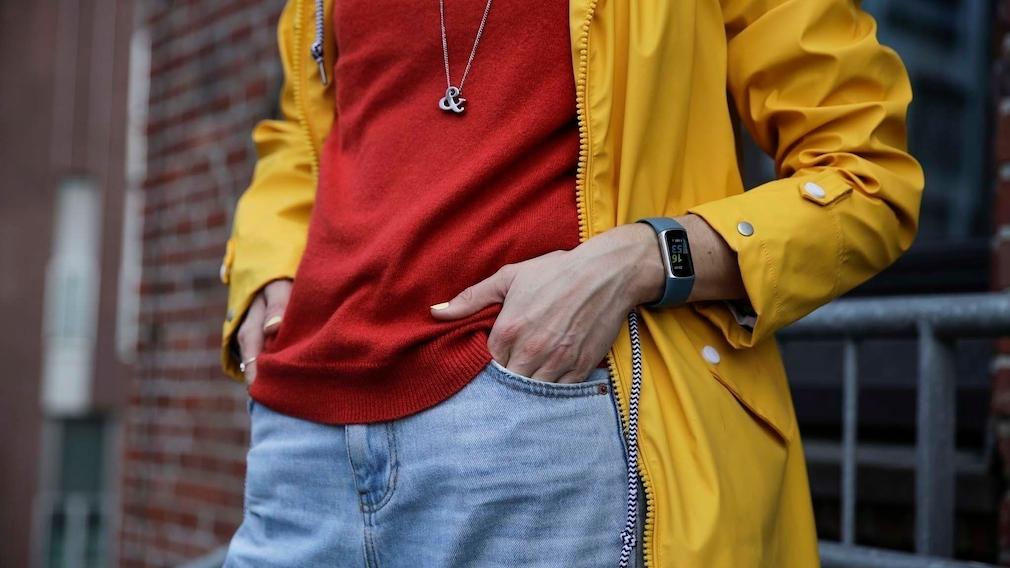 Fitbit Charge 5 Handgelenk