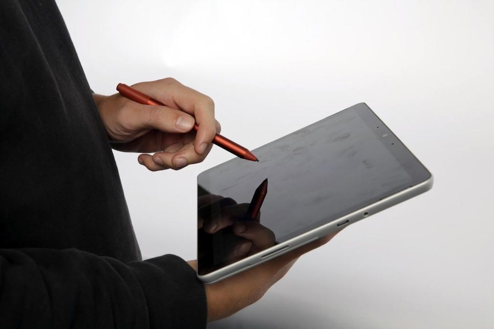 Der Surface Pen und das Microsoft Surface Go 3