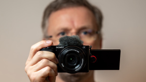 Sony ZV-E10 Mini-Systemkamera f�r Vlogger im Test©COMPUTER BILD