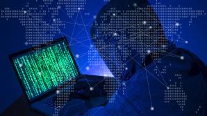 Cyber-Bedrohung w�chst: BSI warnt vor kritischer Lage©gettyimages.de / seksan Mongkhonkhamsao
