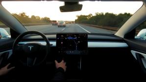 Tesla: Full Sef-Driving©Tesla