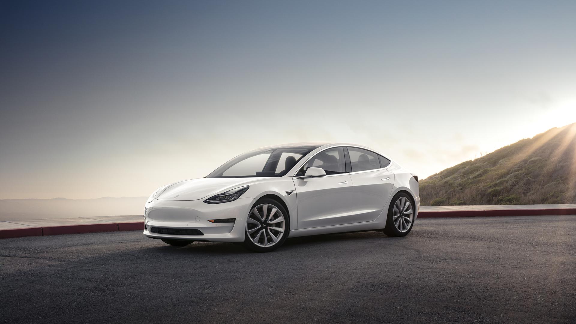 Tesla Model 3: Nummer 1 unter den E-Autos steigert Martanteil kräftig