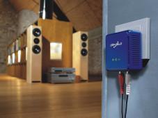 Per Stromnetz überträgt Devolo Musik vom PC zur Musikanlage.©Devolo