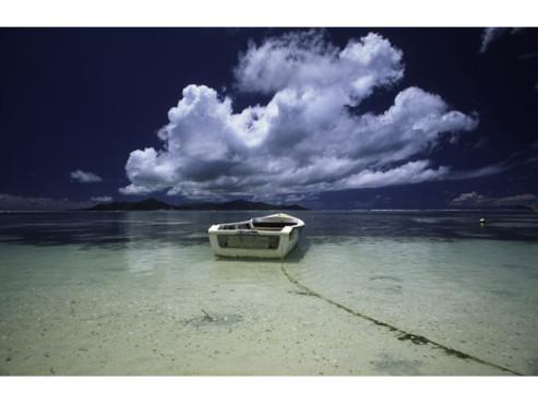 Ein Boot am Meer