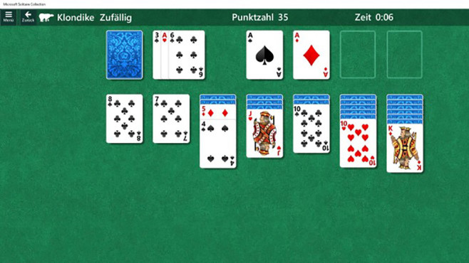 Microsoft Solitaire Collection © Microsoft