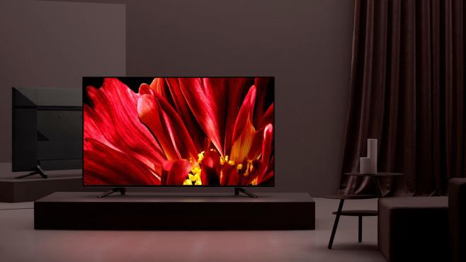 Bei normgerechter Einstellung auf eine Farbtemperatur von 6500 Kelvin (Film-Modus) weist das Bild von Fernsehern auch ohne Nachtmodus einen geringeren Blauanteil auf als von typischen Smartphones oder Computer-Monitoren.©Sony