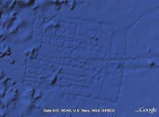 Sonar-Spuren bei Google Ocean