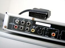 Anschluss gesucht: Fernseher richtig verkabeln.©onlinebewerbung.de - Fotolia.com
