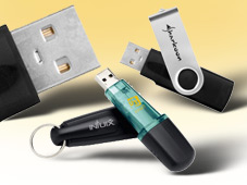 Unsiversal-Genie Leonardo da Vinci hätte die clevere Lösung USB-Stick statt Buchsen-Chaos bestimmt gefallen.©COMPUTER BILD