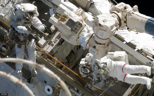 Astronauten bei der Arbeit - von NASA ©NASA