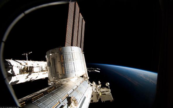ISS – Wohnblock für Astronauten - von STS-131 Crew, Expedition 23, NASA ©STS-131 Crew, Expedition 23, NASA