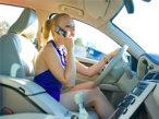 Mit diesen Geräten telefonieren Sie gefahrlos im Auto So sollten Sie sich besser nicht von der Polizei erwischen lassen! Im Auto telefonieren muss aber nicht gefährlich und teuer sein, denn mit der richtigen Freisprechanlage geht das auch ohne Hände.