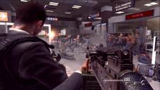 Call of Duty – Modern Warfare 2: Das Spiel mit der Gewalt Eingeschränkte Handlungsfreiheit: In der deutschen Version verschonen Sie zwangsläufig das Leben von Zivilisten. Das macht die geschmacklose Inszenierung nicht besser ...