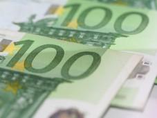 100-Euro-Geldscheine©aboutpixel.de - R. Brack