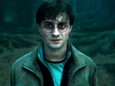 Darsteller Daniel Radcliffe in Harry Potter 7 die Heiligtümer des Todes © 2010 Warner Bros. Ent. Harry Potter Publishing Rights © J.K.R. Harry Potter characters, names and related indicia are trademarks of and © Warner Bros. Ent. All Rights Reserved.