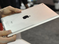 iPad-2-Attrappe auf der CES 2011©Engadget.com