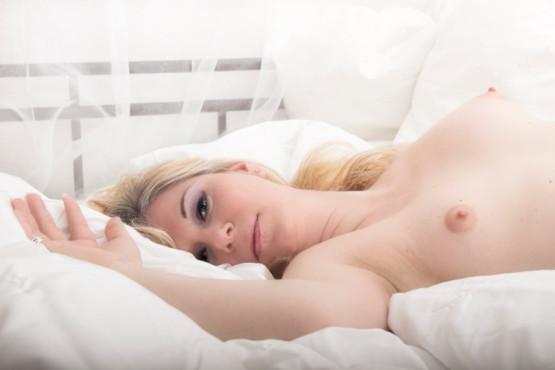 Bild: in her bed – von: Strange-Illusions ©Bild: in her bed – von: Strange-Illusions