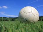 Fu�ball auf Rasen©aboutpixel.de / fussball_auf_platz � BPA