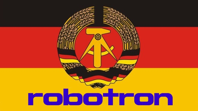 DDR-Flagge mit Robotron-Logo©COMPUTER BILD