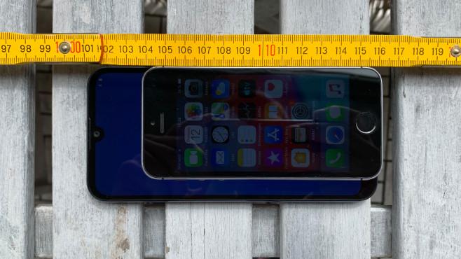 iPhone 5S: Größenvergleich©COMPUTER BILD