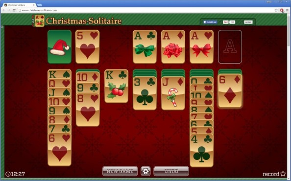 Christmas Solitaire ©24/7 Games