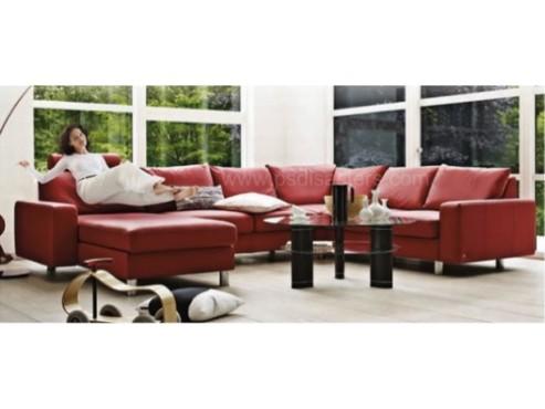 Die schwebende Frau auf der Couch ©psdisasters.com