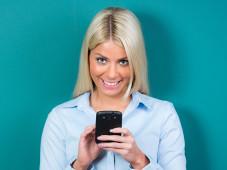 Deutschlands günstigste Handy-Tarife: Telefonieren, simsen, surfen für unter 10 Euro im Monat©Picture-Factory - Fotolia.com