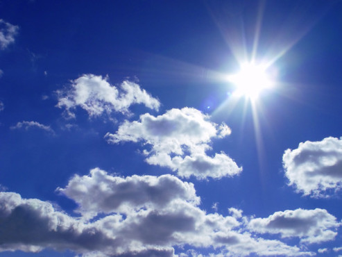 Blauer Himmel und Sonne ©Leonyd Nishko - Fotolia.com
