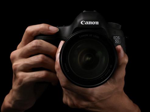 Kamerahaltung Canon Eos 5D Mark III ©Canon
