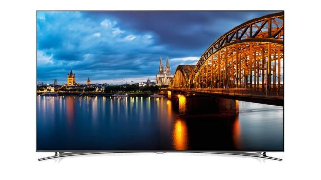 Samsung UE40F8090 - der Alleskönner-Fernseher Der Samsung F8090 gefällt mit knackigem Bild. Leider ist der Blickwinkel klein und der Bildschirm auf dem Tischfuß nicht drehbar.©Samsung